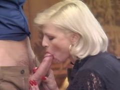 Beautiful mature throats hard cock
