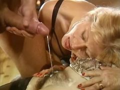 Guy cums on old hairy pussy in orgy