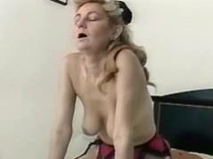 Skinny longhaired aged lady screwed